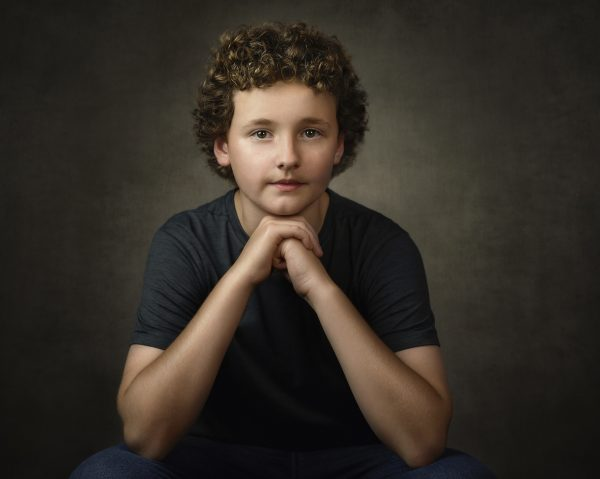 alana lee photography portrait of boy with curly hair